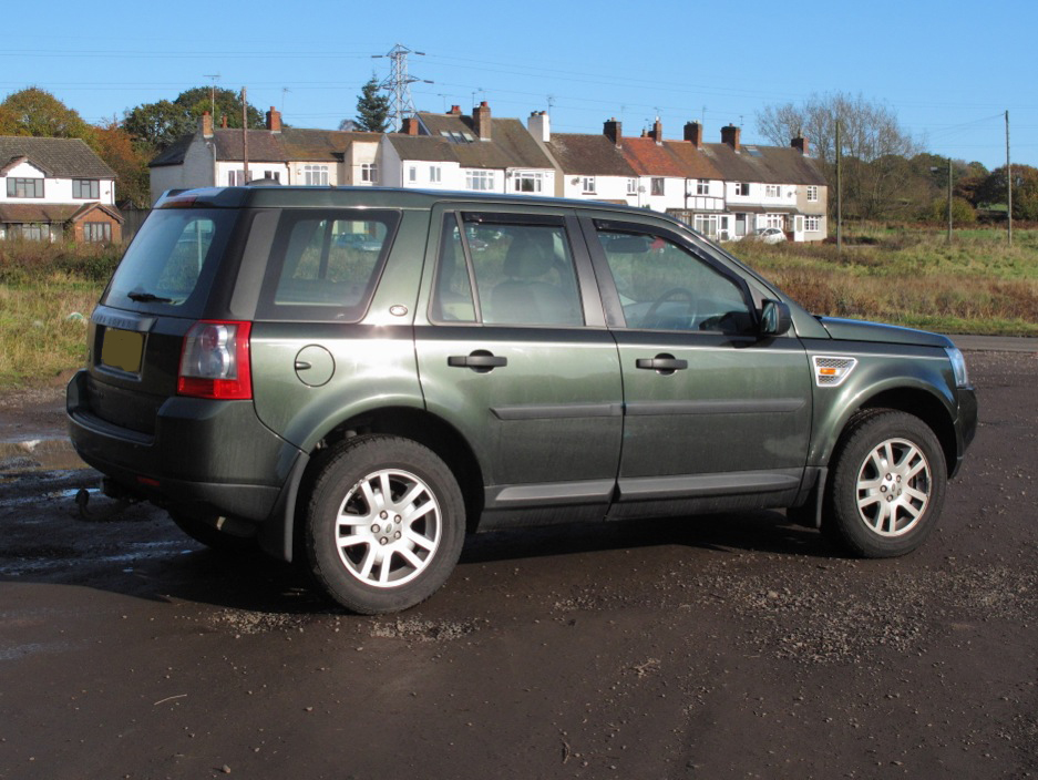 Fitting Roof Rails To Freelander 2 Green Land Rover